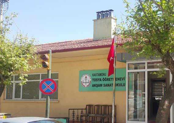 Tosya Ögretmenevi